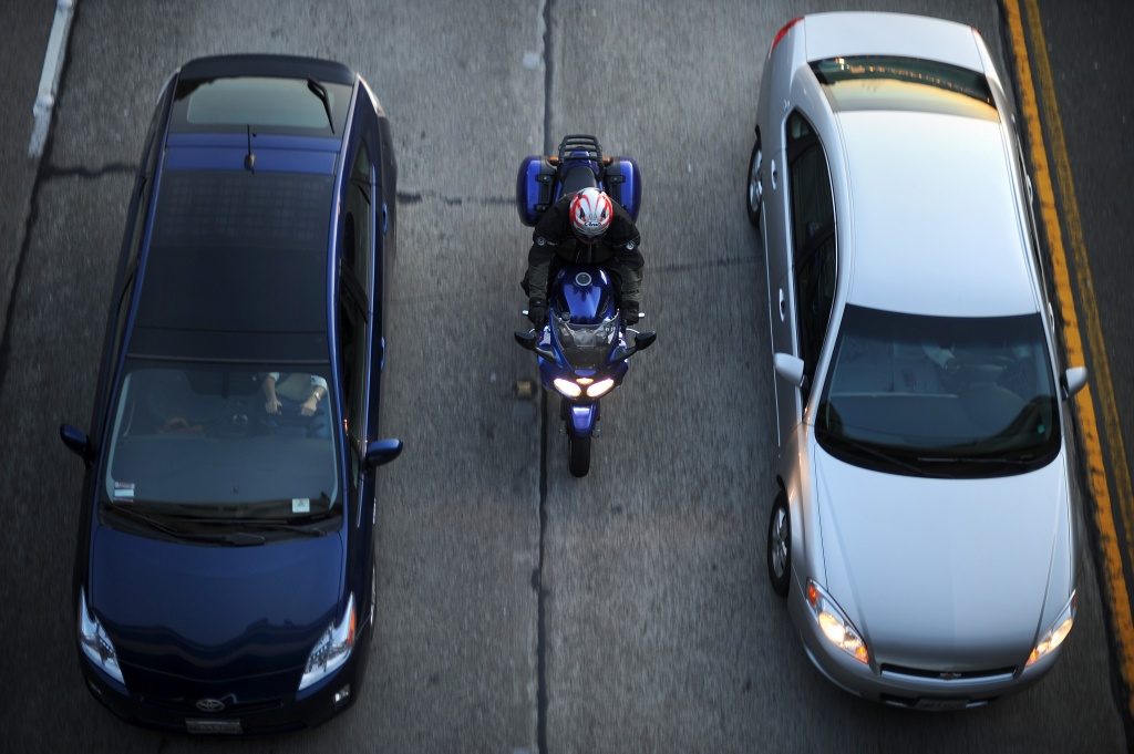 lane-splitting-fault-california