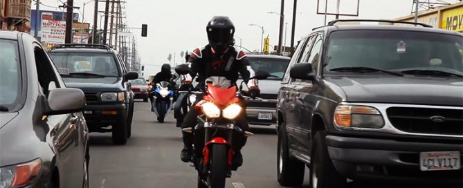 lane-splitting-motorcycles